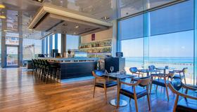 Crowne Plaza Tel Aviv Beach - Τελ Αβίβ - Bar