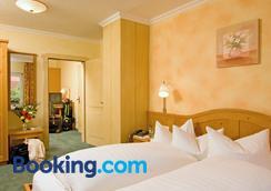 Hotel Gasthof Reif - Königstein - Schlafzimmer
