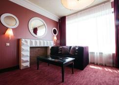 Park Inn Izhevsk - Izhevsk - Living room