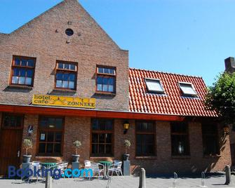Hotel Cafe 't Zonneke - Oosterhout - Gebäude