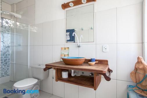 Alfazema Cultural Bed And Breakfast - Camaçari - Bathroom