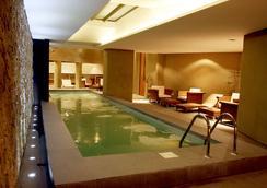 伊斯普樂杜艾爾卡拉法特酒店 - El Calafate - 埃爾卡拉法特 - 游泳池