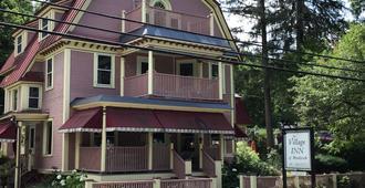 The Village Inn of Woodstock - Woodstock - Building