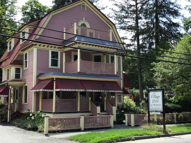 The Village Inn of Woodstock - Γούντστοκ - Κτίριο