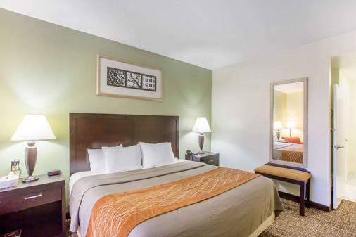 Comfort Inn - Franklin - Bedroom