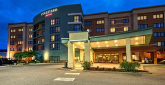 Courtyard by Marriott Newport News Airport - Newport News