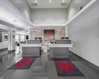 Red Roof Inn & Suites Calhoun - Calhoun - Рецепція