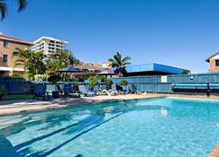 Cheltenham Apartments - Caloundra - Pool