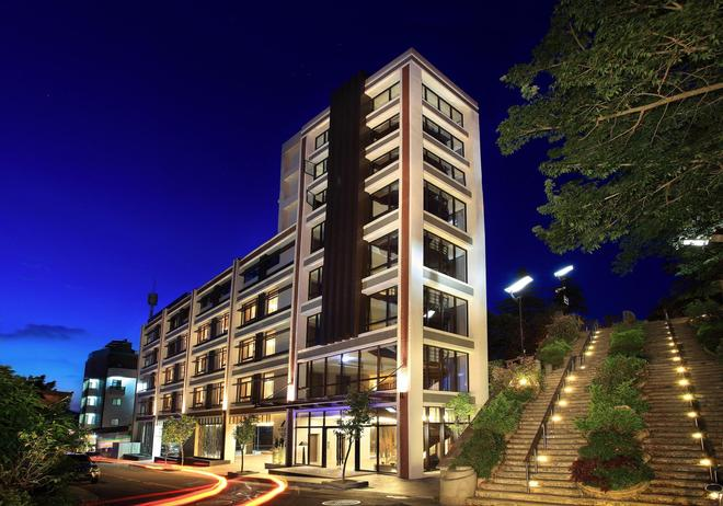 Lealea Garden Hotels-Moon Lake - Yuchi - Κτίριο