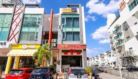 Spot On 89956 The Blue Malacca - Malakka - Rakennus