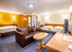 Tollgate Hotel & Leisure - Stoke-on-Trent - Bedroom