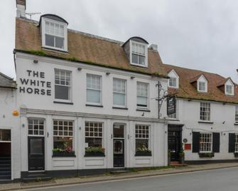 The White Horse Hotel - Pulborough - Building