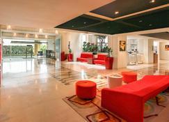 Ibis New Delhi Aerocity Hotel - New Delhi - Lobby