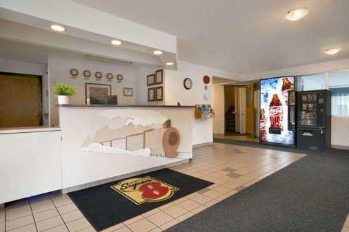 速 8 卑詩省雷夫爾斯托克酒店 - 瑞佛斯托克 - 雷夫爾斯托克 - 櫃檯