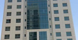 AAA Suites By AAA Homes Hotel - Manama - Building