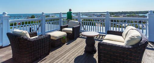 Mansion House Inn And Spa - Vineyard Haven - Balcony