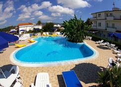 Hotel Eolo Capo Vaticano - Ricadi - Piscina