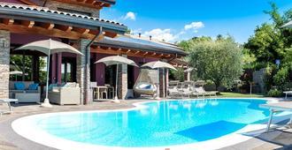 Sweet Life - Peschiera del Garda - Pool