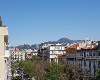 Hotel Annexe Nice - Niza - Vista del exterior