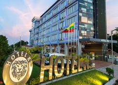 Hotel Ks - Moulmein - Building