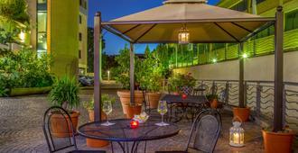 Best Western Blu Hotel Roma - Rome - Patio