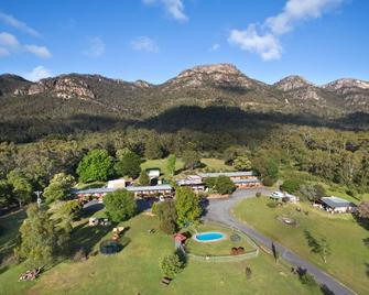 The Grampians Motel & The Views Restaurant - Halls Gap - Outdoors view