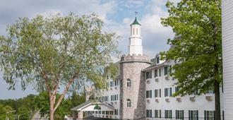 The Stone Castle Hotel and Conference Center - Branson - Building