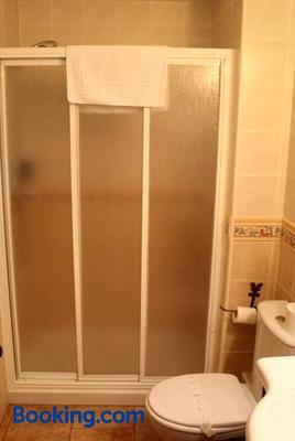 Hostal San Pedro - Cuenca - Bathroom