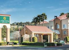 La Quinta Inn & Suites by Wyndham Fairfield - Napa Valley - Fairfield - Building