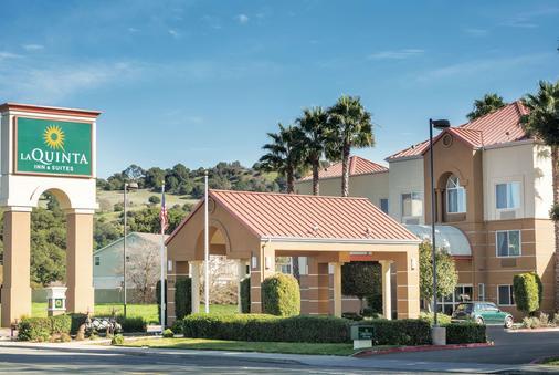 La Quinta Inn & Suites by Wyndham Fairfield - Napa Valley - Fairfield - Building
