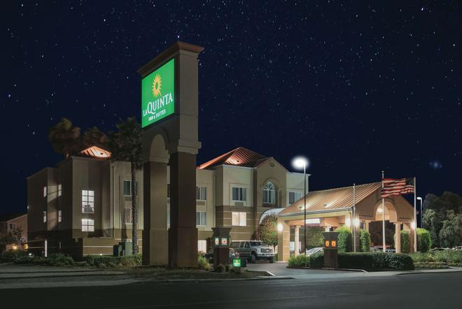 La Quinta Inn & Suites by Wyndham Fairfield - Napa Valley - Fairfield - Edificio