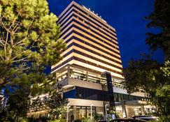 Tirana International Hotel - Tirana - Bygning
