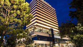 Tirana International Hotel - Τίρανα - Κτίριο