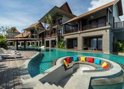 Sense Canggu Beach Hotel - North Kuta - Piscina