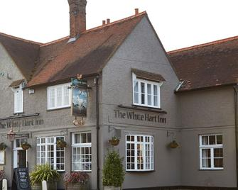The White Hart By Green King Inns - Chalfont St. Giles - Edificio
