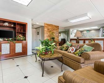Quality Inn And Suites Vidalia - Vidalia - Wohnzimmer