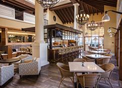 ذا كينج آند برينس بيتش آند جولف ريزورت - Saint Simons - مطعم