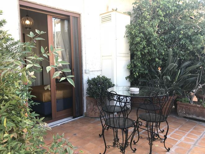 卡薩米拉那坡利酒店 - 那不勒斯 - 那不勒斯 - 天井