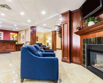 Comfort Inn & Suites Scarborough-Portland - Scarborough - Salónek