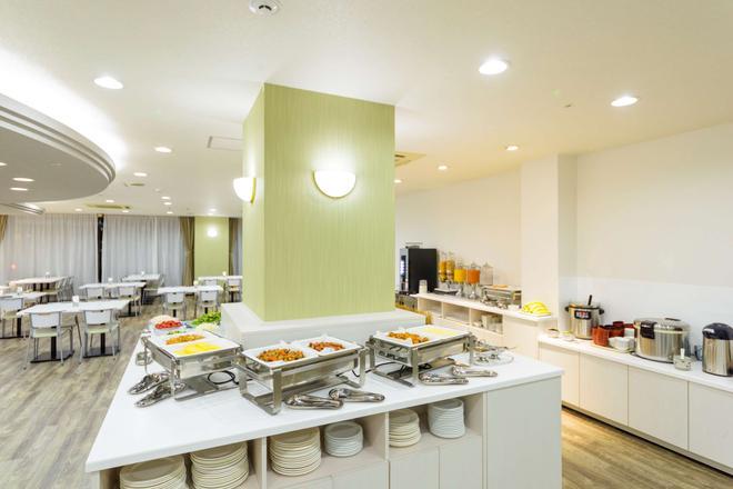 SureStay Plus Hotel by Best Western Shin-Osaka - Osaka - Buffet