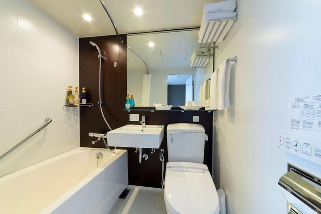 SureStay Plus Hotel by Best Western Shin-Osaka - Osaka - Kylpyhuone