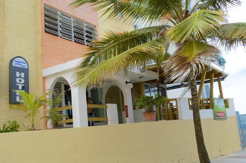 Sandy Beach Hotel - San Juan - Edifício
