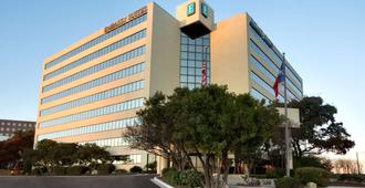 Embassy Suites by Hilton San Antonio Airport - San Antonio