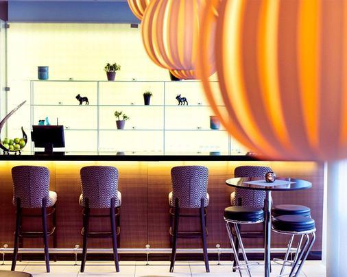 奧羅拉克拉麗奧連鎖酒店 - 特浪索 - 特羅姆瑟 - 酒吧
