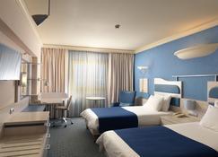 阿提卡大道假日酒店 - 斯帕塔-阿迪米達 - 斯巴達 - 臥室