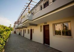 Crystallo Apartments - Paphos - Outdoor view