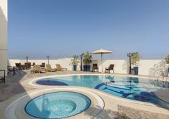 杜拜霍華德強生酒店 - 杜拜 - 杜拜 - 游泳池