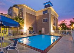 Best Western Plus Slidell Hotel - Slidell - Pool
