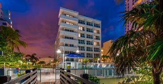 Best Western Plus Atlantic Beach Resort - Μαϊάμι Μπιτς - Κτίριο