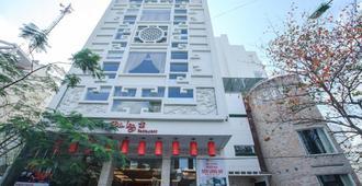 Den Long Do Hotel & Restaurant - Nha Trang - Edificio